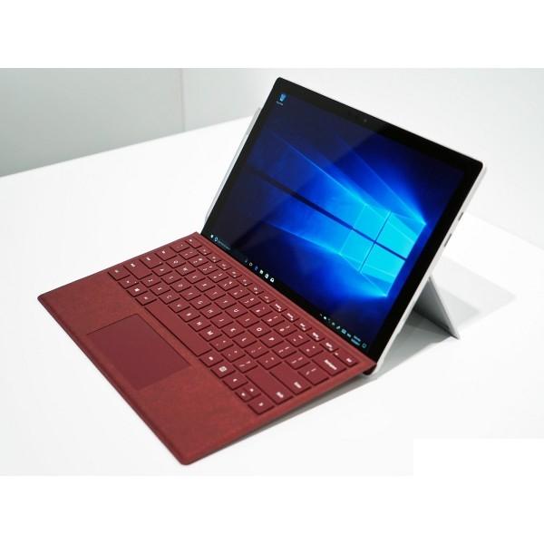 Surface Pro 2017 / Like New /
