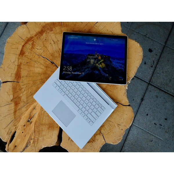 Surface Book 2 - 13.5 inch/ Like New /